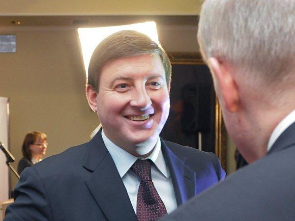 РБК назвал Турчака кандидатом напост руководителя генсовета «Единой России»