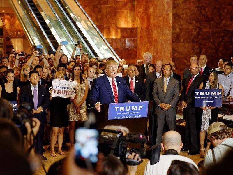 Дональд Трамп считает ведущие американские СМИ противниками народа