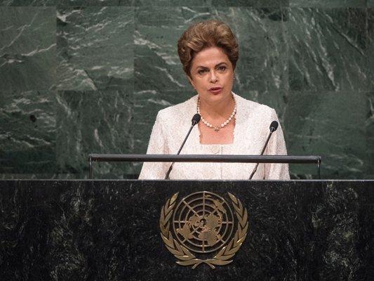 ВБразилии запустили процедуру импичмента президенту