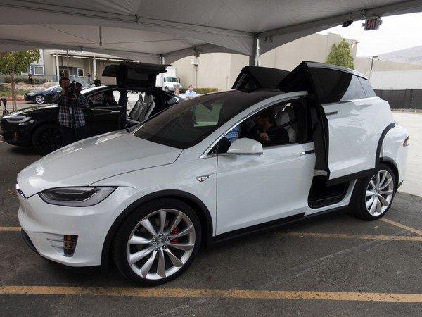 Минтранспорта Германии исключает слово «автопилот» врекламе Tesla
