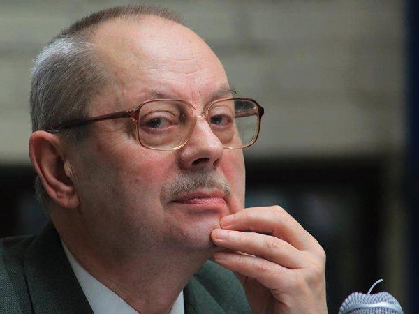 Юрий Нестеров в 1993 году считал указ Ельцина антиконстуционным