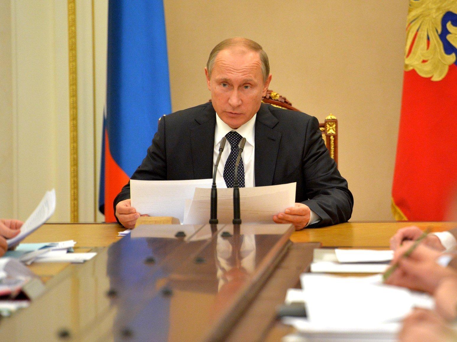 Д. Медведев предложил сделать комиссию посовершенствованию госуправления