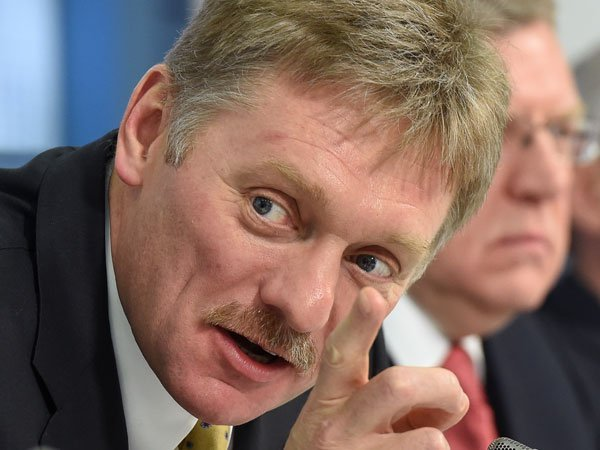 Песков: РФ не будет скоропалительно отвечать наамериканские санкции
