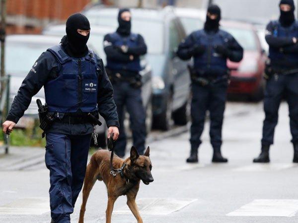 ВБельгии задержали попытавшегося въехать втолпу водителя
