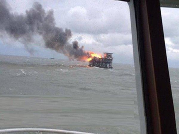 Пожар на морском месторождении Гюнешли
