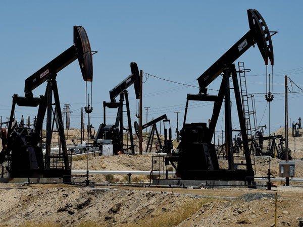 Нефть дешевеет наухудшении прогноза МЭА поросту спроса насырье