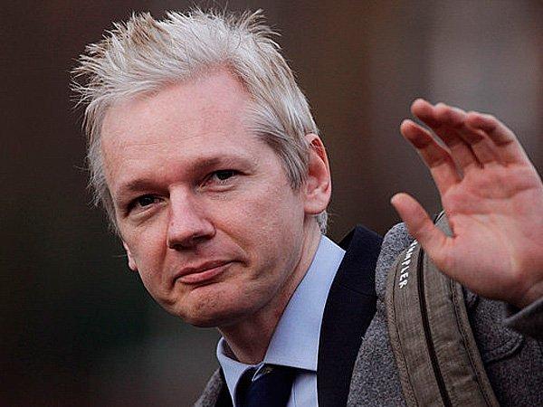 julian assange - 18 часов