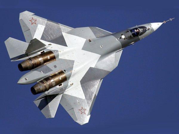 Малозаметный многоцелевой истребитель Т-50, серийное производство планируется в 2016 году.