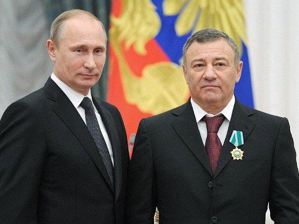 Путин объявил благодарность Ротенбергам иТимченко
