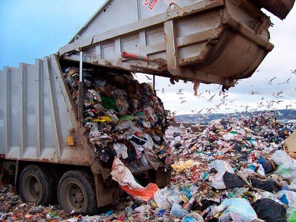 С2017 года граждан России  вынудят  платить завывоз мусора