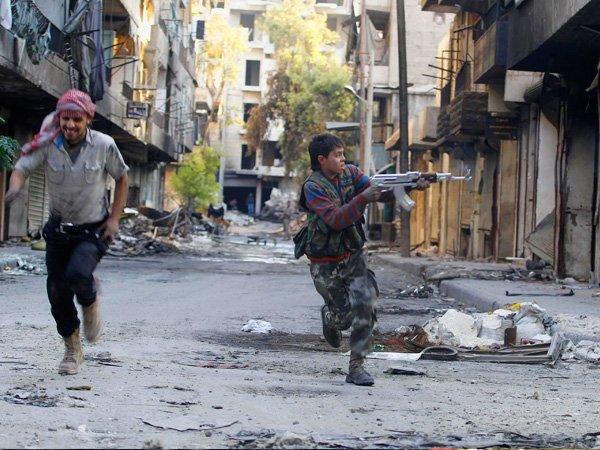 Боевики пытались захватить пленных, атаковав эвакуационный коридор вАлеппо