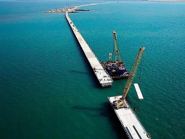 Росгвардия взяла под усиленную охрану энергомост в захваченный Крым