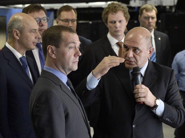 Антон Силуанов Дмитрий Медведев с руководителем ФНС Михаилом Мишустиным