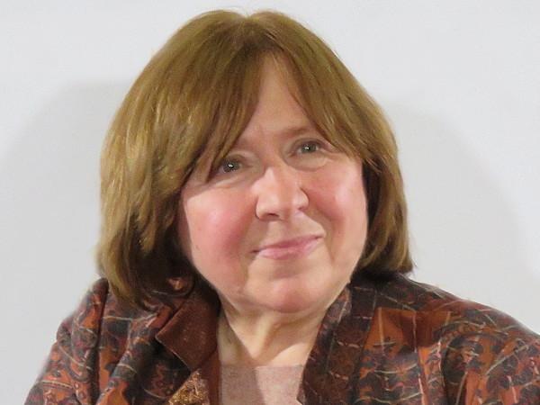 В Беларуси критикующих власти писателей и репортеров признали тунеядцами
