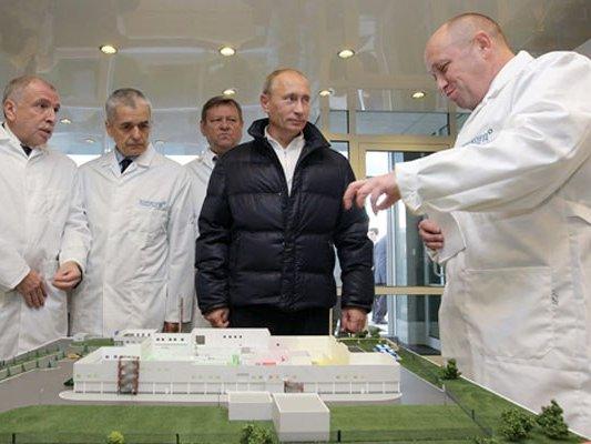 Песков проинформировал, что Путин будет праздновать день рождения своего «личного повара» Пригожина