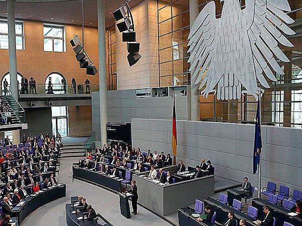 Впарламенте Германии посоветовали ограничить время пребывания напосту канцлера 2-мя сроками