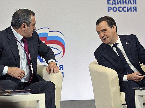 Опрос показал укрепление позиций «Единой России» впредвыборной гонке
