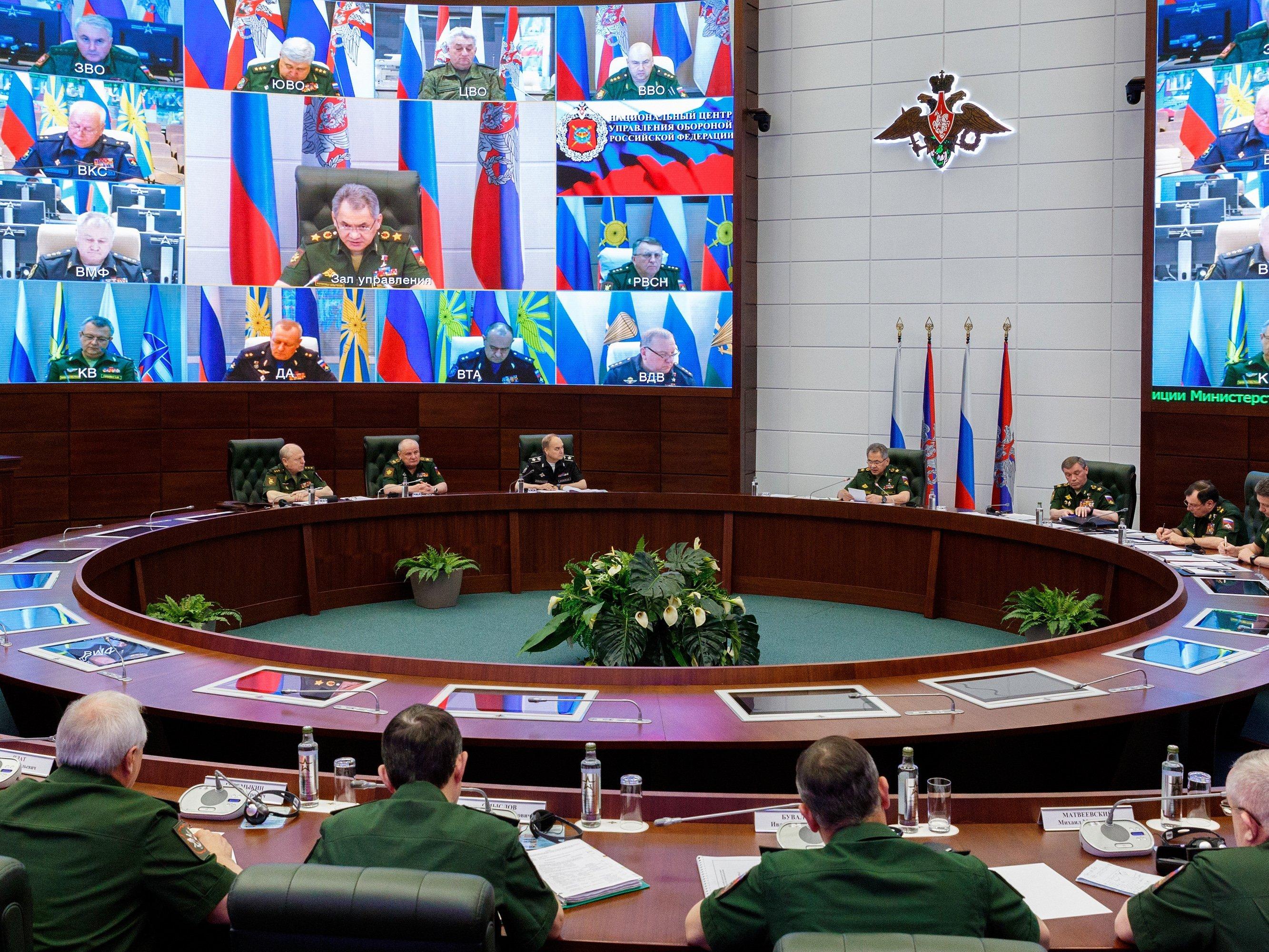 Русские СМИ подсчитали, сколько человек похоронило министерство обороныРФ за4 года