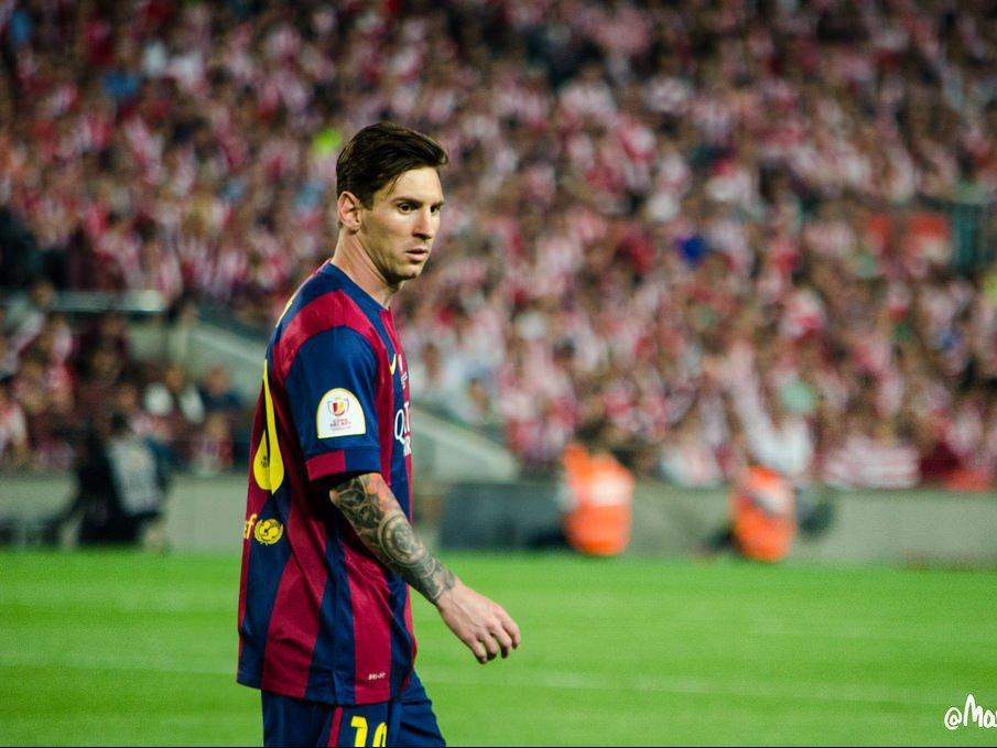 УЕФА назвал тройку претендентов название лучшего игрока года