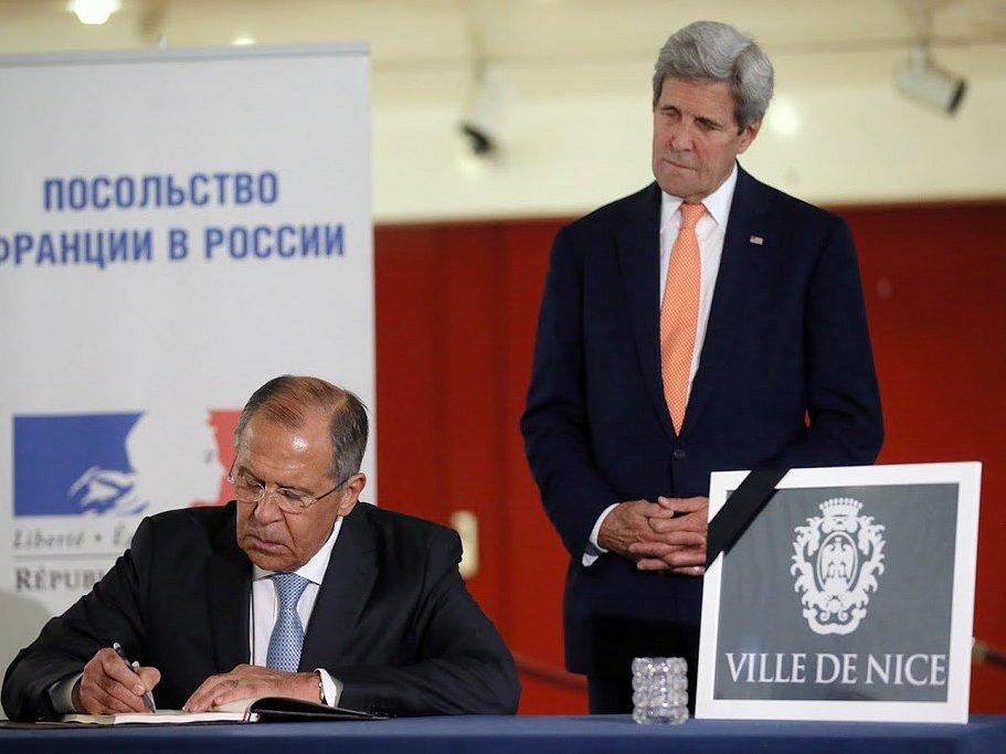 Госдеп: Лавров иКерри обсудили минские соглашения насаммите G20