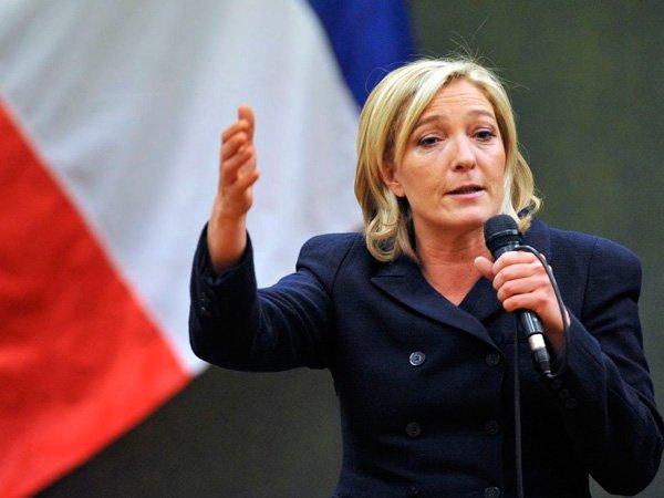 ЛеПен, став президентом Франции, сразу признает русский статус Крыма