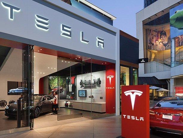 Tesla признала провал поставок авто впервом полугодии 2016 года