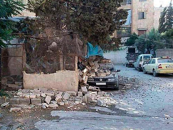 Засутки Алеппо покинули практически 18 тыс. мирных граждан