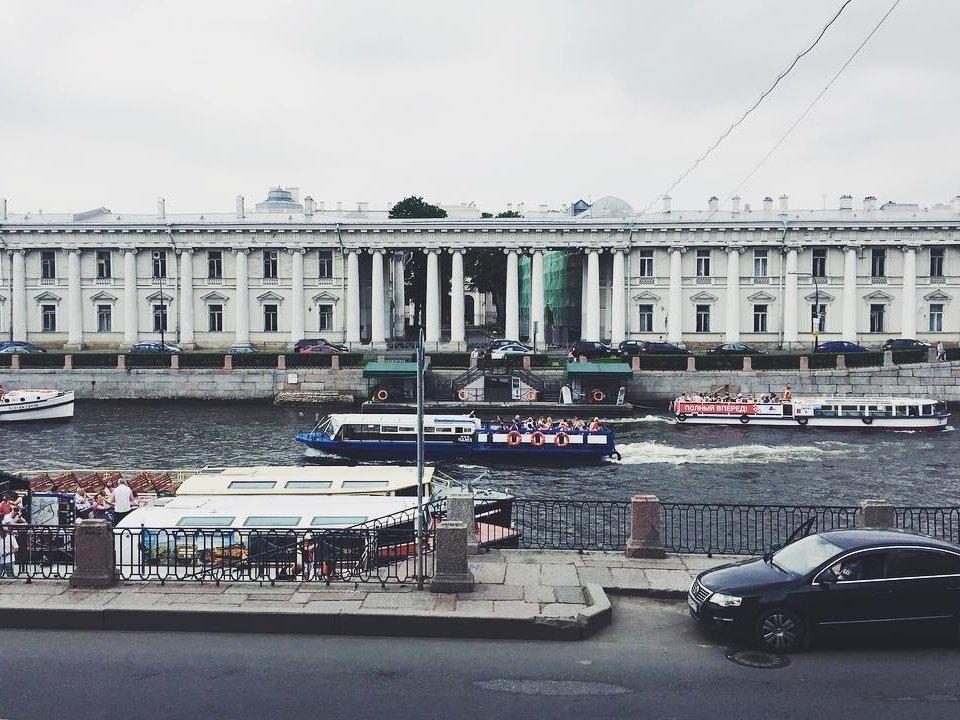 ФСБ ответила назапрос про обыски вбиблиотеке имени Маяковского