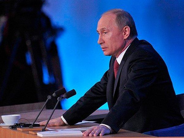 Путин сократил восемь генералов изСК иМВД