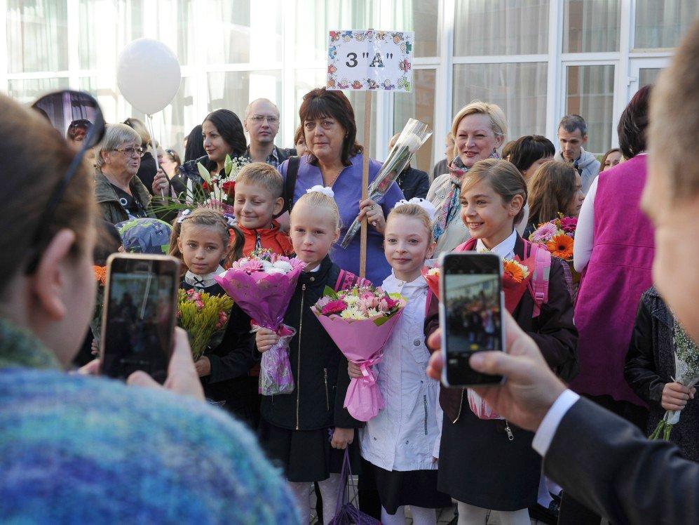 Государственной думе посоветовали перенести начало учебного года наоктябрь