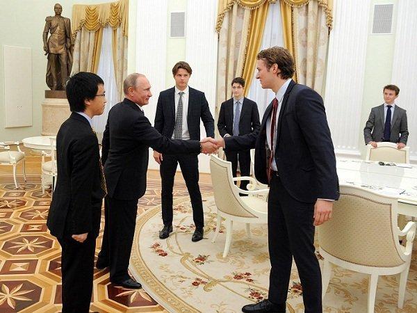 Четверть миллионеров готовы навремя уехать из РФ