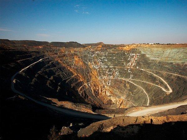Добыча золотой руды открытым способом