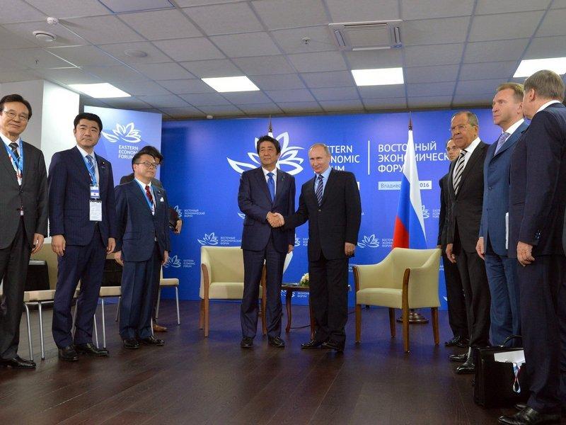 Путин назвал условия для мирного контракта междуРФ иЯпонией