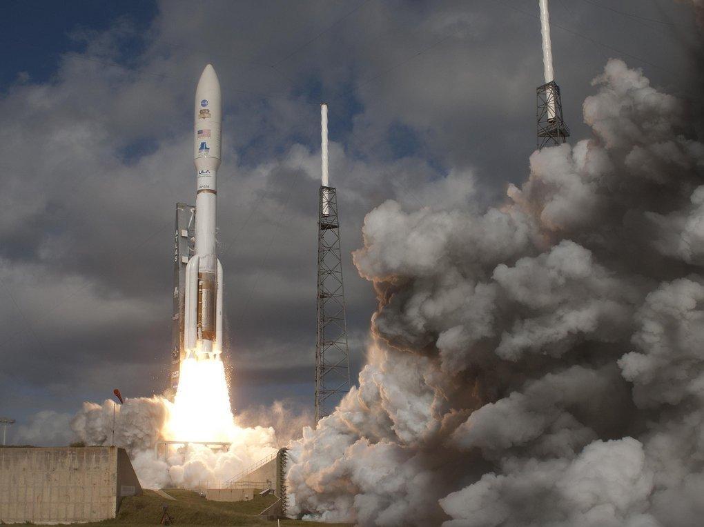Роскосмос заплатит 127 млн руб. за линию движения полета кЛуне иМарсу