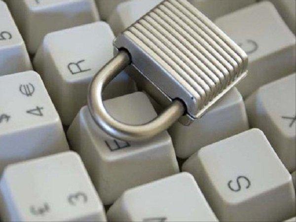 ФБР проинформировала о попытках хакеров взломать базы данных избирателей вдесятке штатов