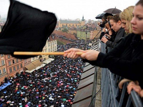 Власти Польши отказались отполного запрета абортов
