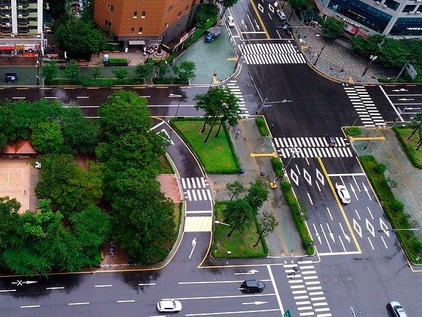 В столице России  могут установить новые дорожные указатели, регулирующие направление движения пополосам