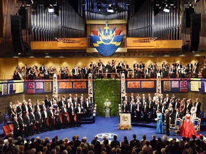 Англичанин ифинский швед получили Нобелевскую премию завклад втеорию контрактов