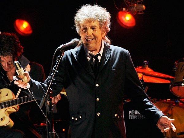 Боб Дилан отреагировал наполучение Нобелевской премии