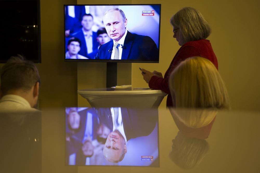 Песков: впроцессе президентской кампании сэлекторатом будут работать ичерез Интернет