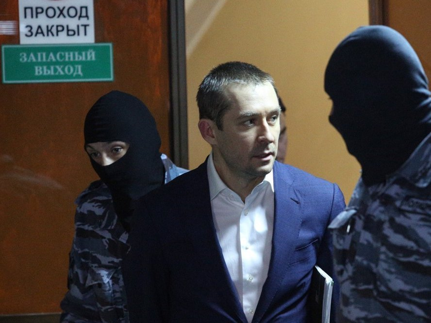Следователи арестовали очередной млрд. руб. поделу Захарченко