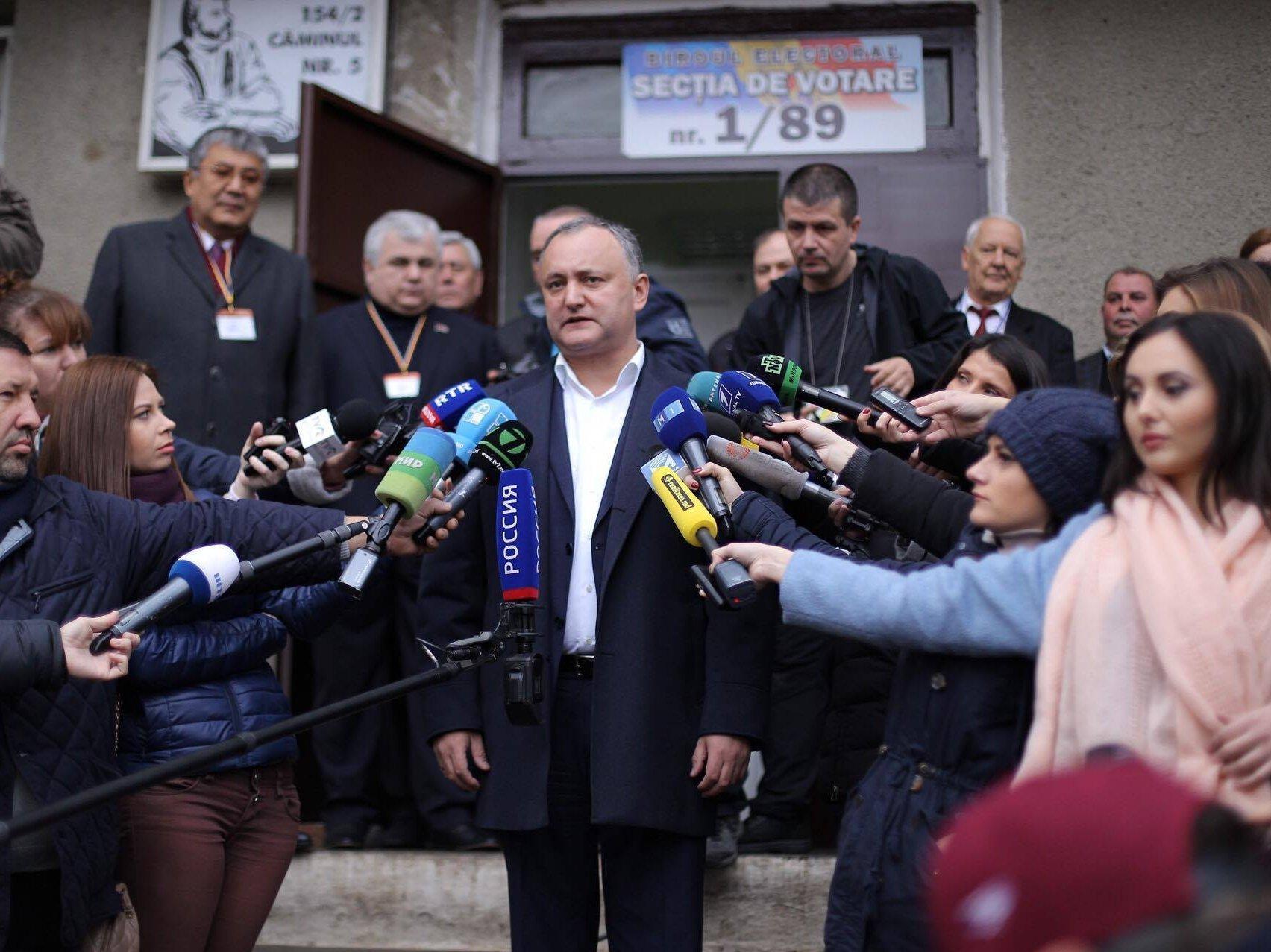 Додон в 3-й раз временно отстранен отдолжности президента