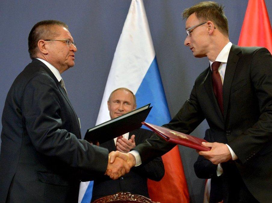 Обнародование расшифровки разговора Сечина иУлюкаева одобрил Путин