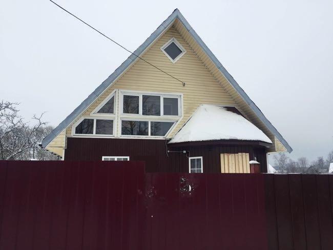 Всети интернет появилось видео штурма дома, где укрывались псковские подростки