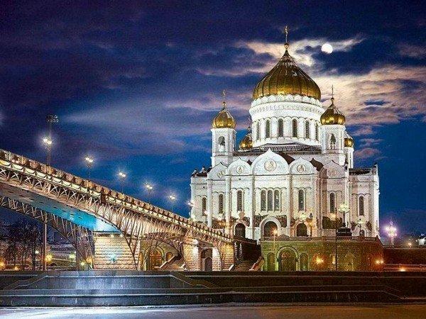 Лужков поведал оснятии проклятия при строительстве храма Христа Спасителя