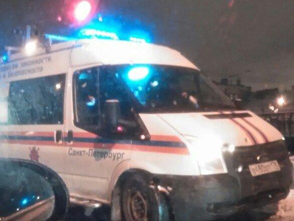 ВПетербурге приезжий столкнул девушку вФонтанку заотказ знакомиться