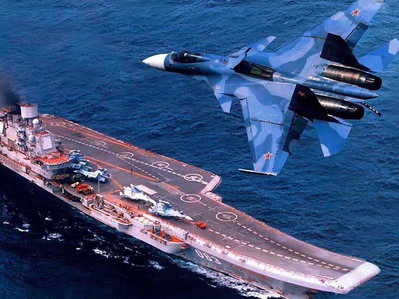 Командующий Ливийской государственной  армией посетил авианосец «Адмирал Кузнецов»