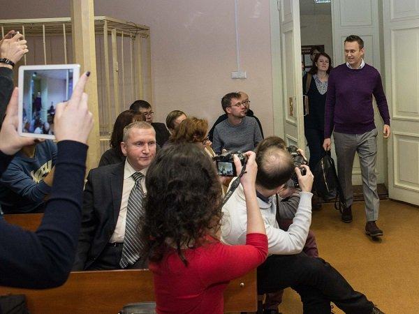 Суд отказал защите Навального впрекращении «дела Кировлеса»