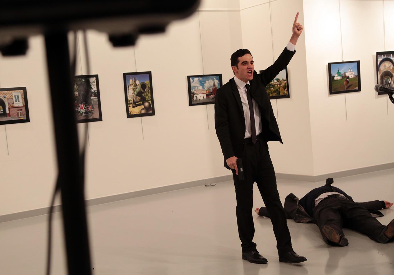 Убийца русского посла мог стать охранником Эрдогана