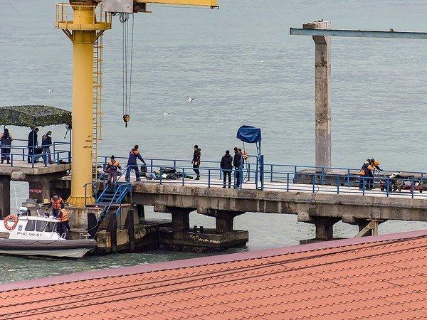 Врайоне крушения самолета найдены тела еще 2-х погибших